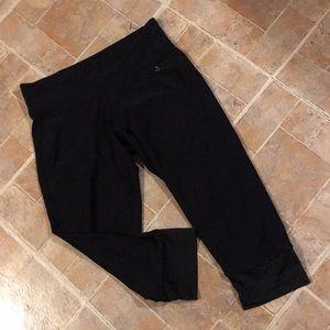 Adidas cropped compression leggings size medium